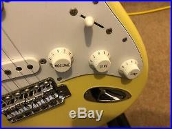 Fender FSR'72 Stratocaster vintage White Made In Japan Excellent unused c