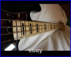 Founder Jazz Bass 70s