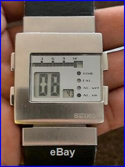 VINTAGE RARE SEIKO W524-4A00 TimeTron Matthew Waldman mens Digital Watch runs