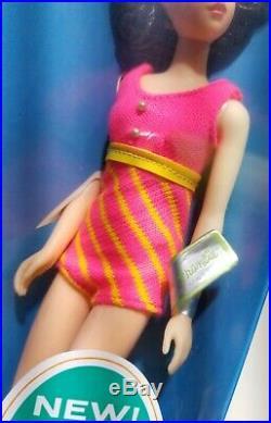 Vintage Barbie 1965 Francie #1170 Nrfb Brunette Tnt Wrist Tag Poseable Stand