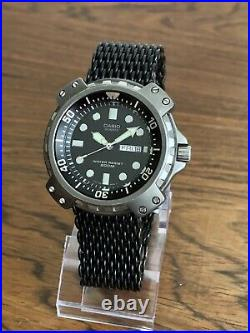 Vintage Casio MD-703 Mod 394 New Battery + Wjean Mesh Black Dial Diver Watch