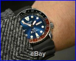 Vintage Seiko Prospex SKX 7s26-0020 200m Divers Day/Date men's watch. Aug. 2003