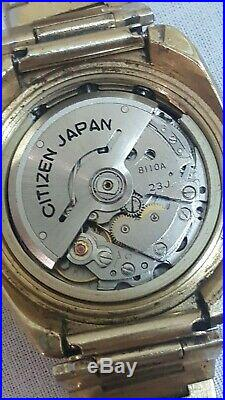 Vtg GP Citizen 8110A Automatic 67-9020 day date chronograph bullhead with box